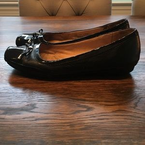 Women's black Naturalizer 7.5 flats leather